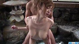 สาวพริตตี้เอวบางตูดงอนนัดเย็ดกิ๊กหนุ่มไฮโซที่บ่อน้ำพุร้อนอมควยอย่างเสียวเจอแทงหีร้องเสียงหลง