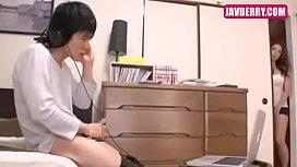 หนังXav พี่สาวหุ่นsexนมโตแอบดูน้องชายชักว่าวสงสารขึ้นร่อนหีให้ควยแทบหักดูแล้วควยโด่อยากเย็ดสาวยุ่นเลย